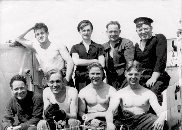 The crew of A Gun on HMS Wolsey